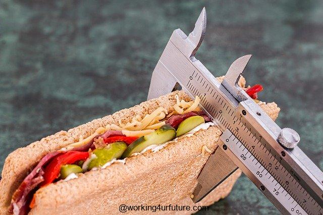 How to become a  dietician or nutritionist,